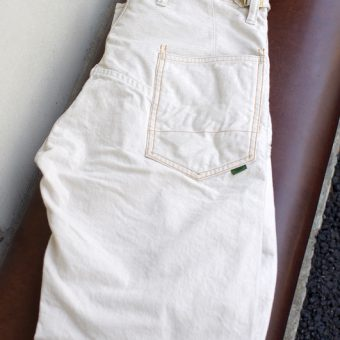 BELTLESS PANTS [ECRU DENIM]
