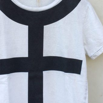 FEMALE SYMBOL T-SHIRTS